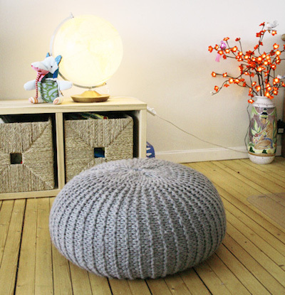 Knit pouf, knitting pillow, DIY knitting project, DIY pillow, free knitting pattern