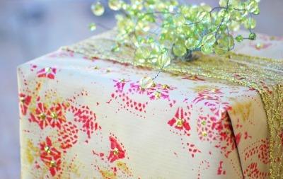 Doily print gift wrap