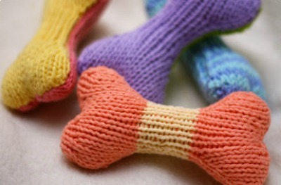 Multi-colored knit dog bones