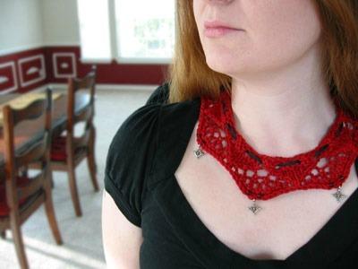 Knit Scallop Choker Necklace