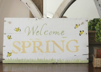 Welcome Spring Bumblebee Sign