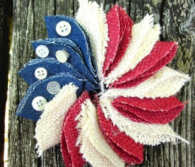 Patriotic Wreath Pin