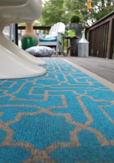stencil an outdoor rug with craft paint