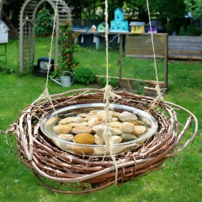 DIY Bird Feeder, DIY Bird Bath, Outdoor Craft Projects, DIY Summer Crafts