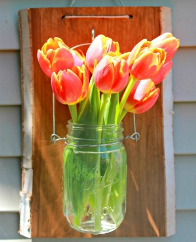 DIY Mason Jar Crafts, DIY Outdoor Summer Crafts, Mason Jar Repurpose, DIY Outdoor Lantern, DIY Mason Jar Hanging Vase