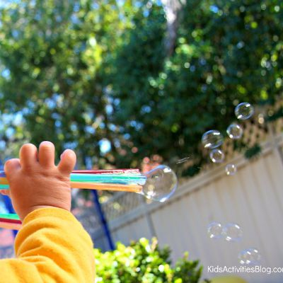 DIY Bubble Shooter, DIY Bubble Wand, Kids Crafts, Blow Colored Bubbles