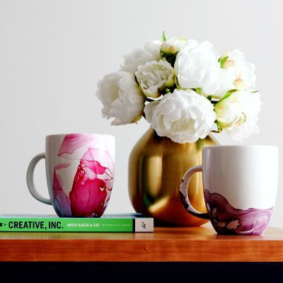DIY Marbled Mugs, DIY Marbled Crafts, Homemade Painted Mugs