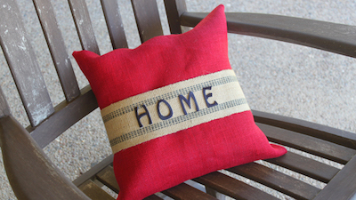 burlap no-sew pillow