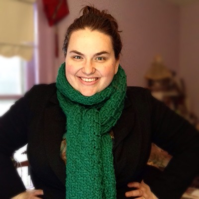 Thick, dark green scarf