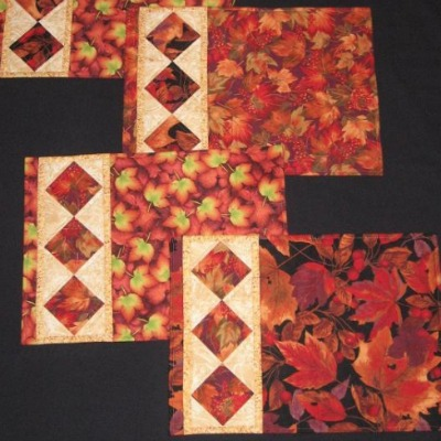 String of diamonds placemats.