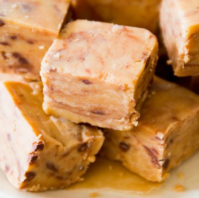 Four-ingredient peanut butter fudge