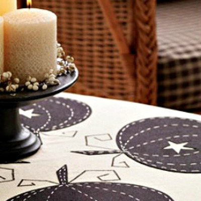 Pumpkin applique tablecloth DIY
