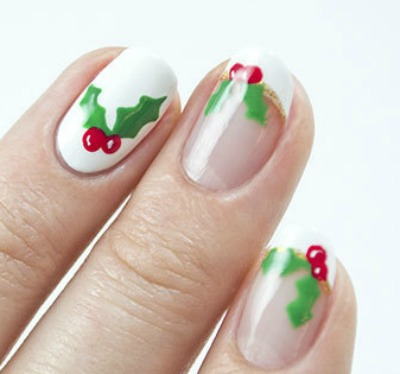 Holly leaves nail art