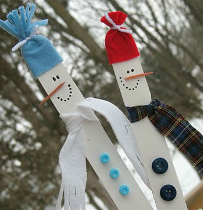 Snowmen on paint sticks