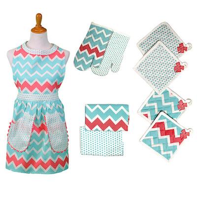 Ruffled vintage style apron
