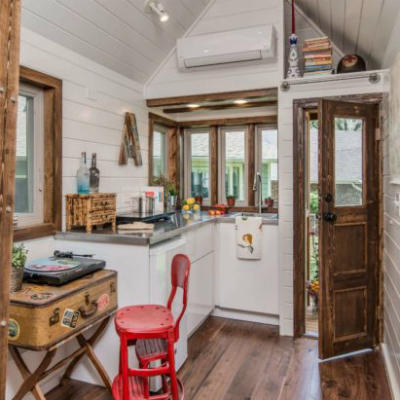 farmhouse style tiny house