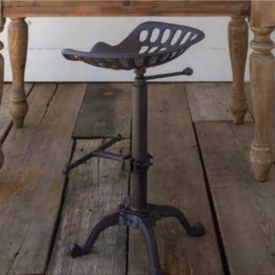 signature farmhouse furniture pieces