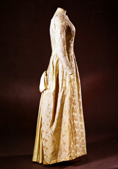 1960s vintage style wedding dress