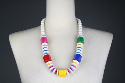 Vintage Plastic Necklace 1980s