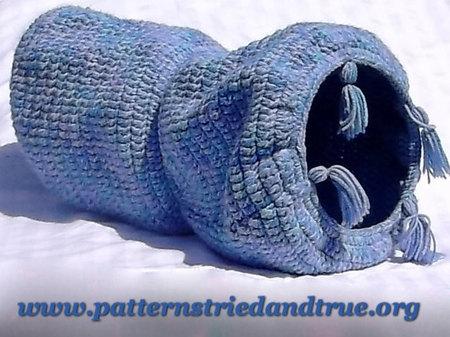 Crochet Cat Sack Hideaway ⋆ Dream a Little Bigger   337x450