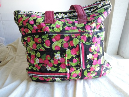 SHIPS FREE in cont US Quilted Tote Bag with Rasberry Print
