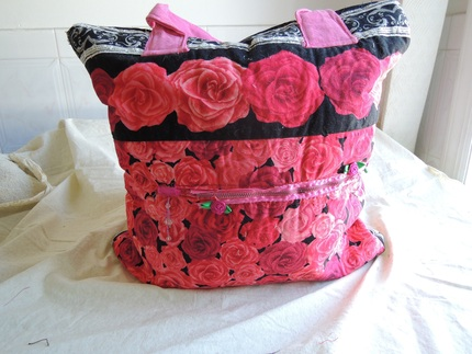 SHIPS FREE in cont US Quilted Tote Bag with Rose Print, Pink Handles