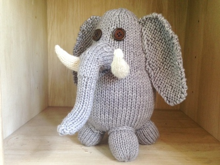 Everett the Elephant Pattern, download pdf