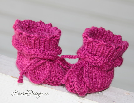 Baby doll Booties knitting PDF