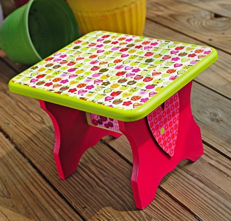 Step Stool for Little Girl with Hearts