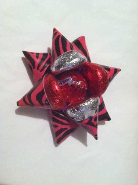 Duct Tape Christmas Bow with Kisses