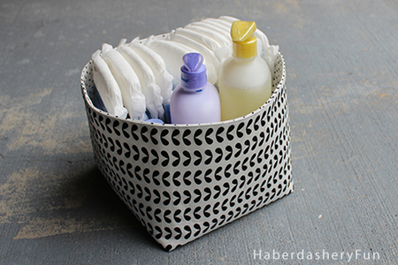 DIY Reversible Fabric Storage Bin Tutorial