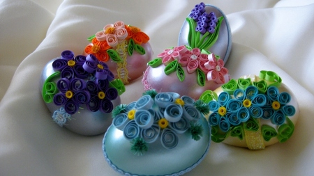 Paper Quilled Easter Eggs