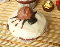 Spider muffins with Ferrero Rocher and yogurt