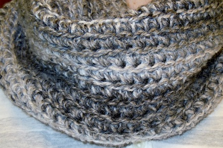 Easy To Crochet Infinity Scarf Or Cowl Pattern Craftfoxes
