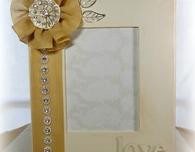 DIY Wedding Projects:  Love Frame