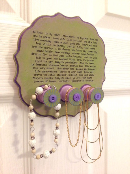 Wood spool jewelry hanger