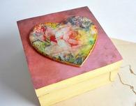 Vintage Inspired DIY Wood Storage Box