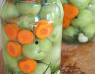 Make pickled green tomatoes without vinegar