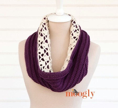 Snow Drops Reversible Cowl