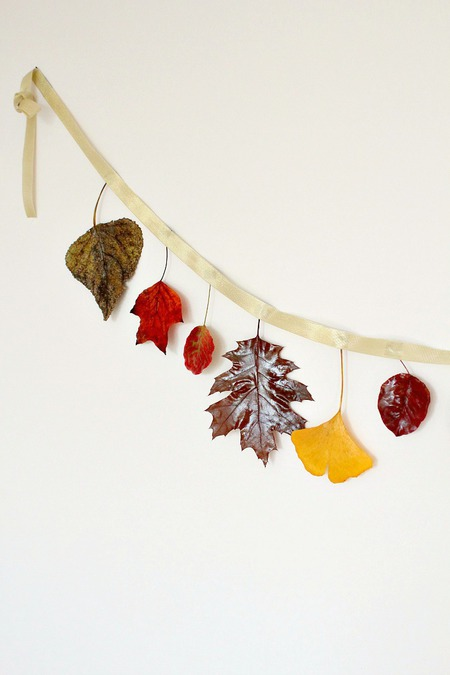 Easy & affordable DIY fall leaves garland