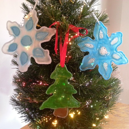 stained glass look: white glue ornaments