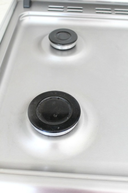 How to clean a stove top without scratching