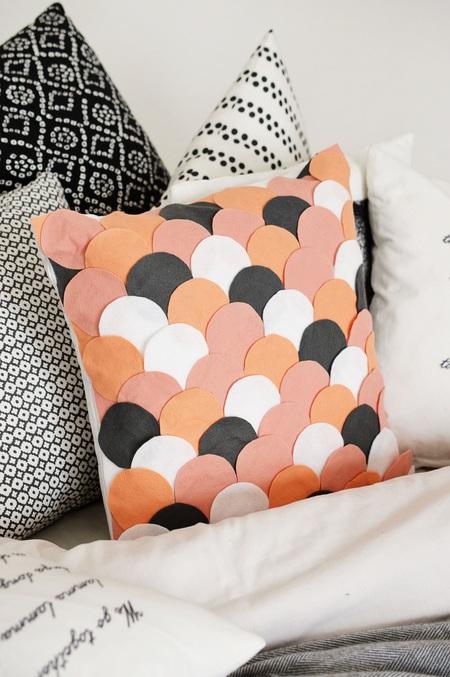 No-Sew Scalloped Pillow Case