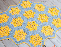 Bee's Knees Crochet Rug