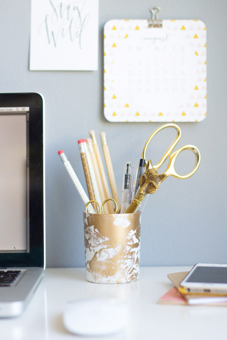 DIY Gold Marbled Pencil Cup