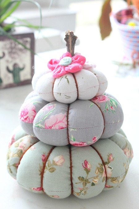 Pumpkin trio pincushion sewing tutorial