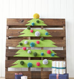 DIY Wooden Pallet Christmas Tree