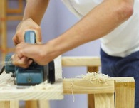 How to use an electric planer