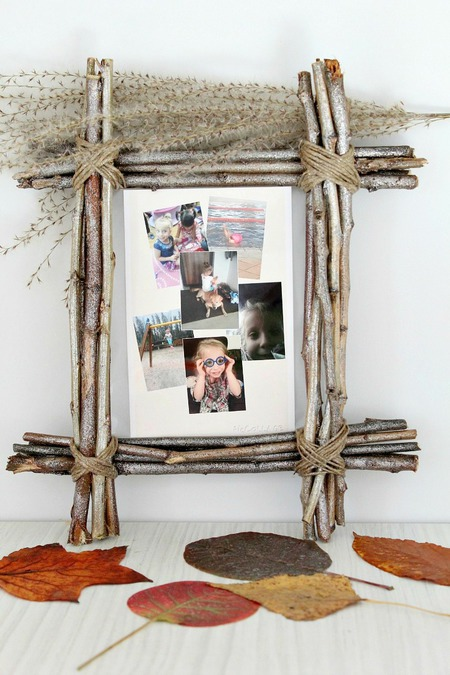 Twig photo frame