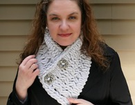 Crossed Loops Cowl